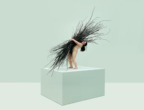 Woman with Sticks, 2009. (Mujer con ramas), Procedimientos y materiales varios 170 x 183 x 120 cm. Cortesía Fondation Cartier pour l'art contemporain, Paris.