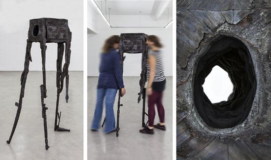Guardado: Dos personas pueden mirarse a través del hueco que atraviesa los cajones de este mueble de guardado, 10º Concurso U.A.D.E de Artes Visules 2015,  Universidad Argentina de la Empresa, 100 x 80 x 170 cm, 2015.